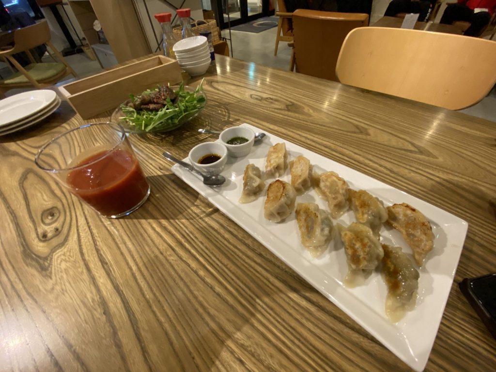 帯広 ヌプカ サ飯 餃子 トマトジュース